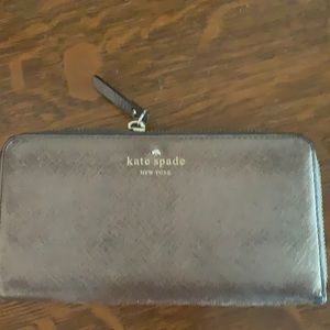 Kate spade wallet tons of compartments
